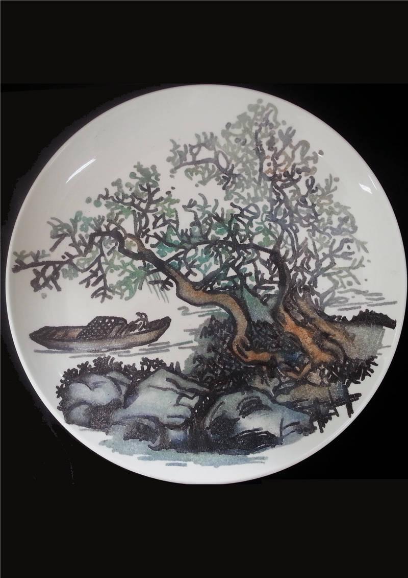 《陶瓷设计·潭影风荷》张少雯